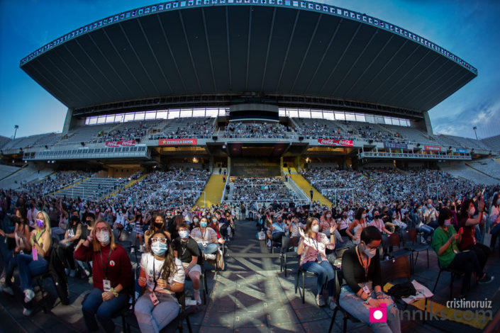 Panorámica público Nil Moliner Estadi Olímpic